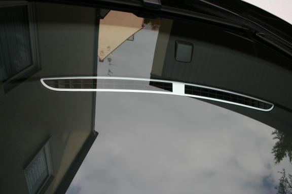 1 Aluminium Dekorblende für die Defrosterdüse an der Windschutzscheibe