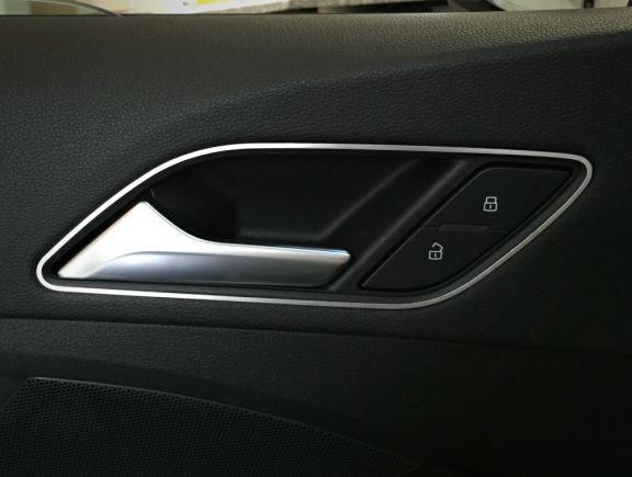 1 Set Aluminium Dekorrahmen für die Türöffner (nur 3-Türer und Cabrio)