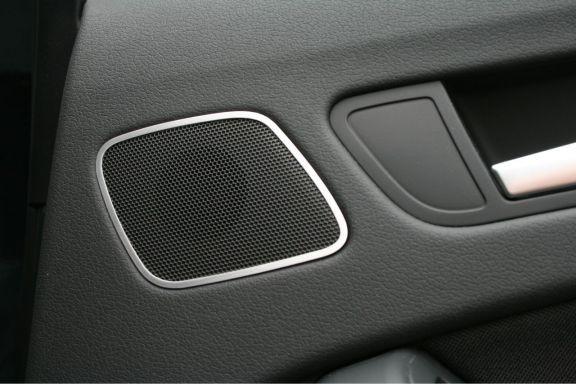 1 Set Aluminium Dekorrahmen für die Lautsprecher hinten (nur Sportback)