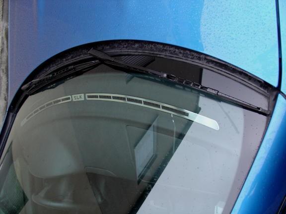 1 Set Aluminium Zierrahmen für die Defrosterdüsen vor der Windschutzscheibe