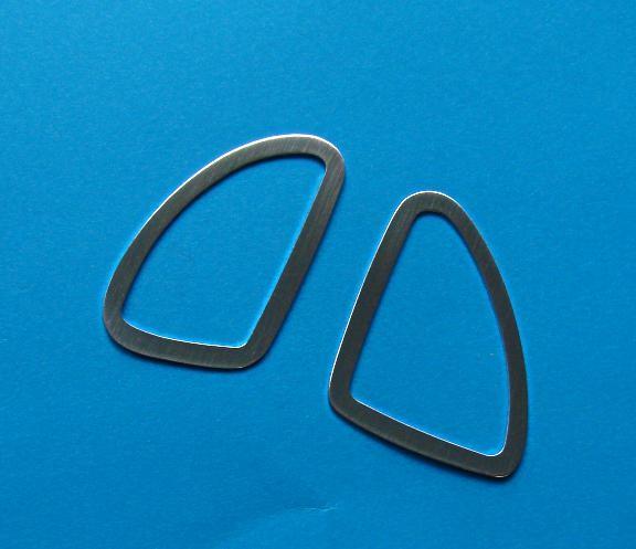 1 Set Aluminium Dekorrahmen für die seitlichen Defrosterdüsen
