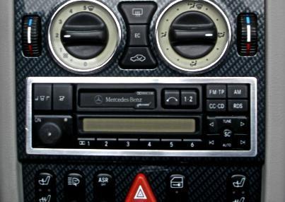 1 Aluminium Zierrahmen für das Radio