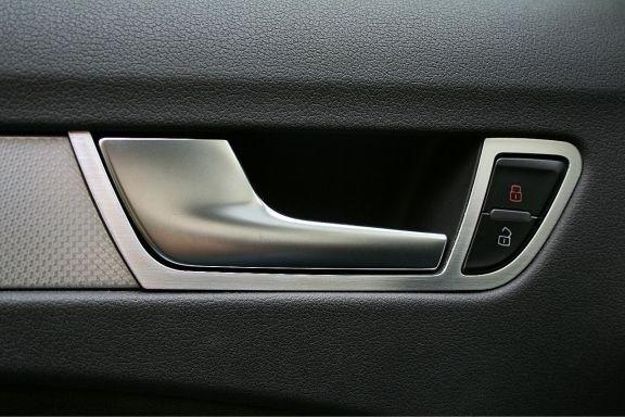 1 Set Aluminium Dekorrahmen für die Fensterheber vorne