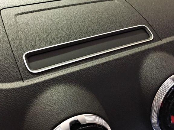 1 Aluminium Dekorrahmen für den Display-Schacht