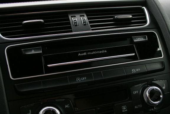 1 Aluminium Dekorrahmen für den CD-Wechsler (nur Facelift)