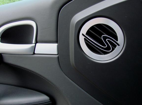 1 Set Aluminium Dekorblenden für die Luftdurchführung an den Türe inkl. Gravur