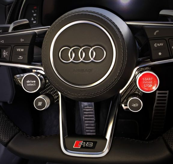 1 Set Carbon Dekorrahmen für das Lenkrad (DriveSelect & Startknopf)